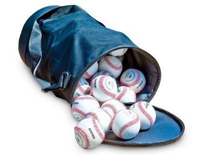 Convenient bag holds up to 50 baseballs or 32 softballs