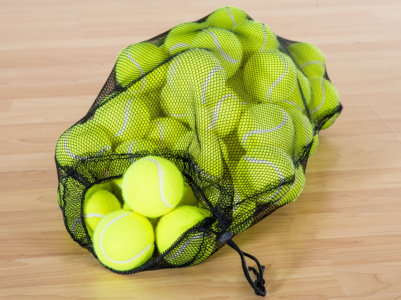 Storage bag for tennis balls
