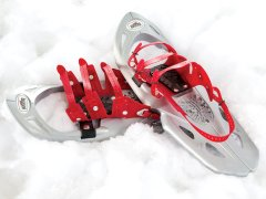 Set of redfeather snowshoes