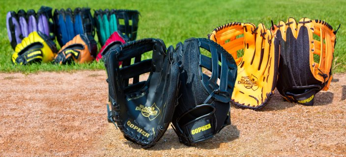 Color options of baseball gloves
