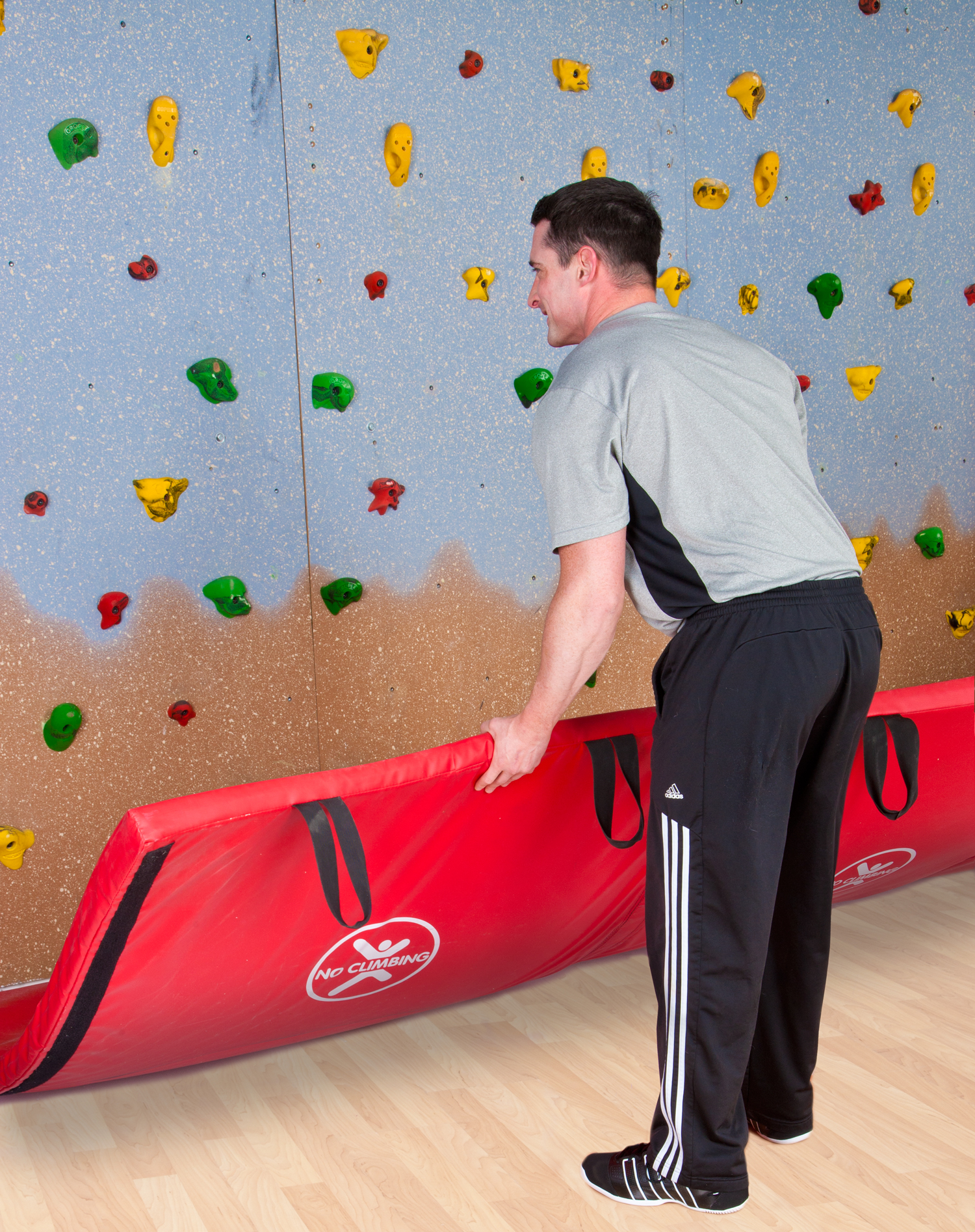 ULTRAVERSE™ SafetyClose™ Mat System for Climbing Walls
