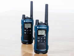 Pair of motorola t460 radios